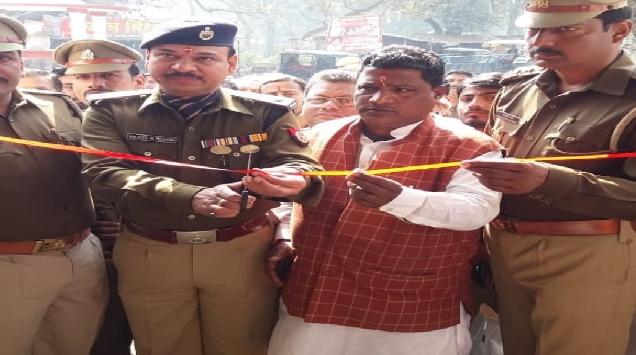 अपराध और अपराधियों पर नकेल कसने के लिये कुशीनगर में पुलिस की कार्यवाही