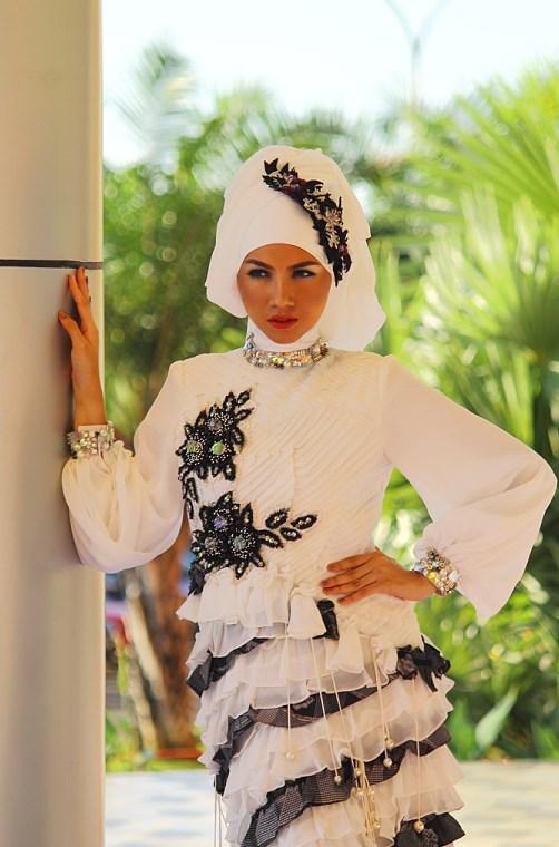tutorial hijab modis cewek manis dan indah suka banget pegang pipi sendiri