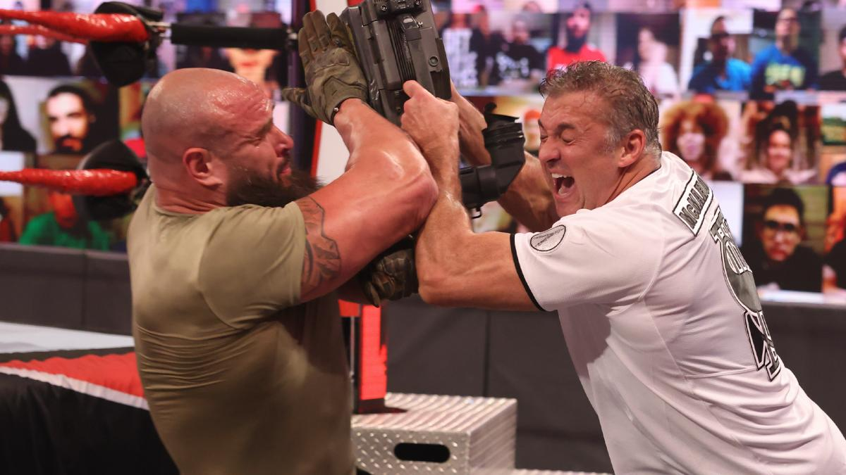 WWE pode ter removido combate do card do FastLane
