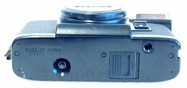 Olympus Pen EF, Bottom