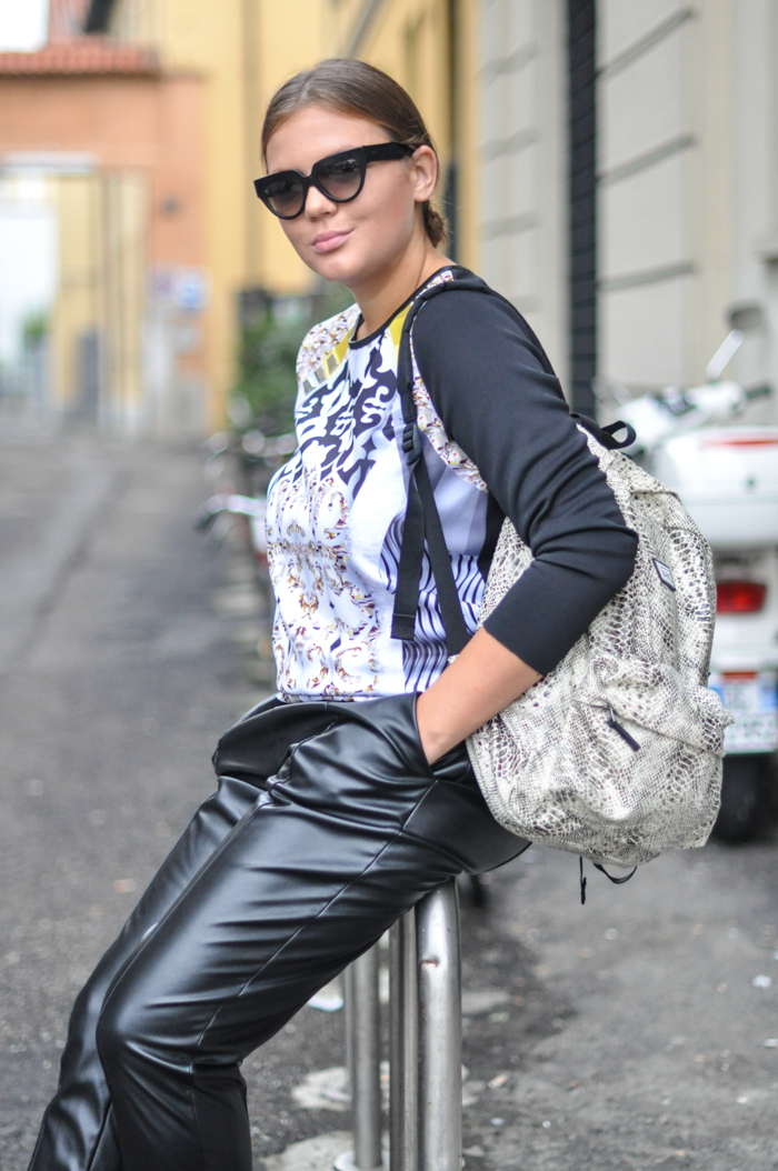 Russian fashion blog Top Vans backpack Prada sunglasses DKNY leather baggy pants Tods mules look Milan fashion week street style SS15
