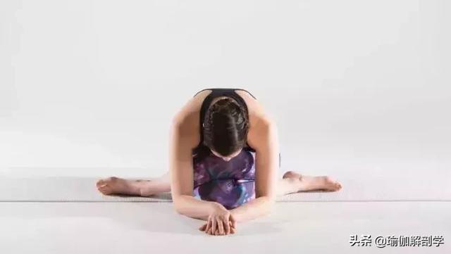 每天這樣瑜伽趴10分鐘,內分泌正常了,皮膚也變好了(6動作)