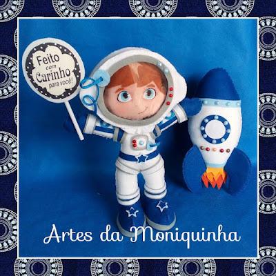 astronauta de feltro