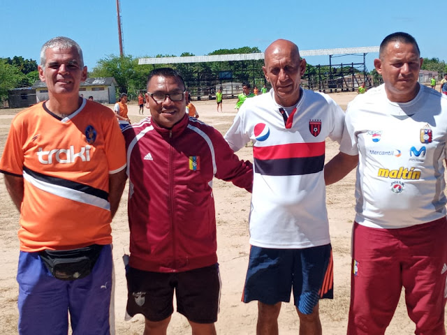 APURE: Actividad Futbolística en Puerto Páez con profesores de Acarigua