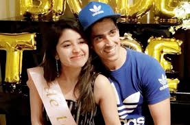 Chaitnya Sharma Family Wife Son Daughter Father Mother Marriage Photos Biography Profile