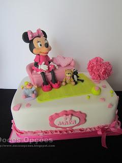 Bolo com a Minnie para o aniversário da Mara