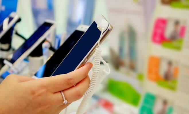 ما, هي, الميزات, التي, تحتاجها, فى, هاتفك, الجديد؟