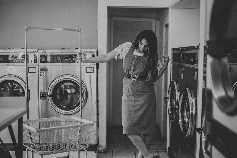 laundromat, fashion shoot, laundy mat photoshoot