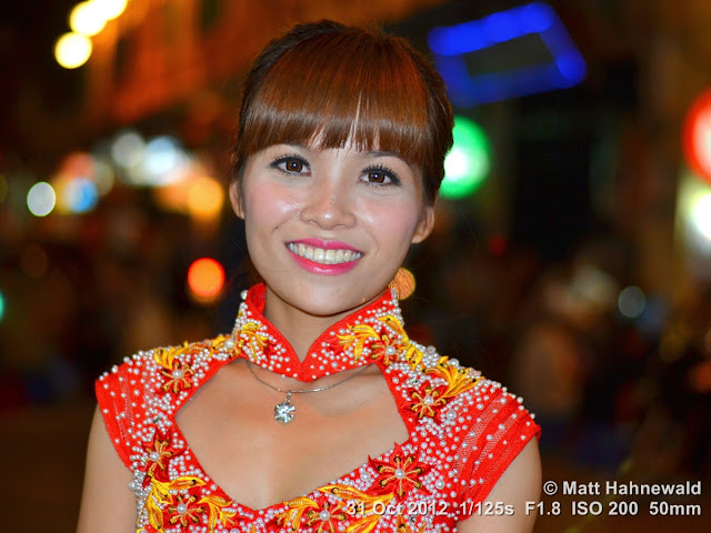 close up, street portrait, beautiful, people, Vietnam, Hanoi, Vietnamese woman, nightlife, night