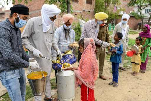 feeding the poor in India during corona virus lockdown