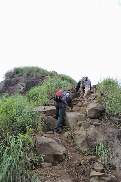 foto jalur pendakian gunung batu jonggol