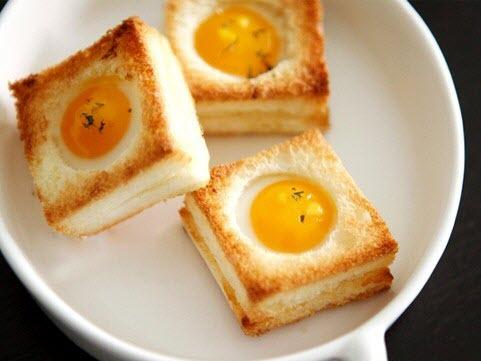 Bánh mỳ trứng cút nướng