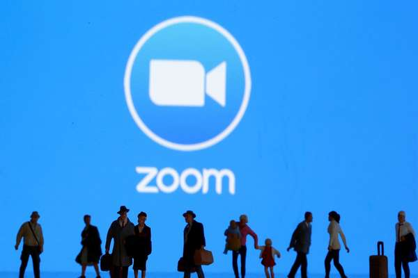 تقارير: منصة Zoom تستعد لإطلاق خدمات جديدة