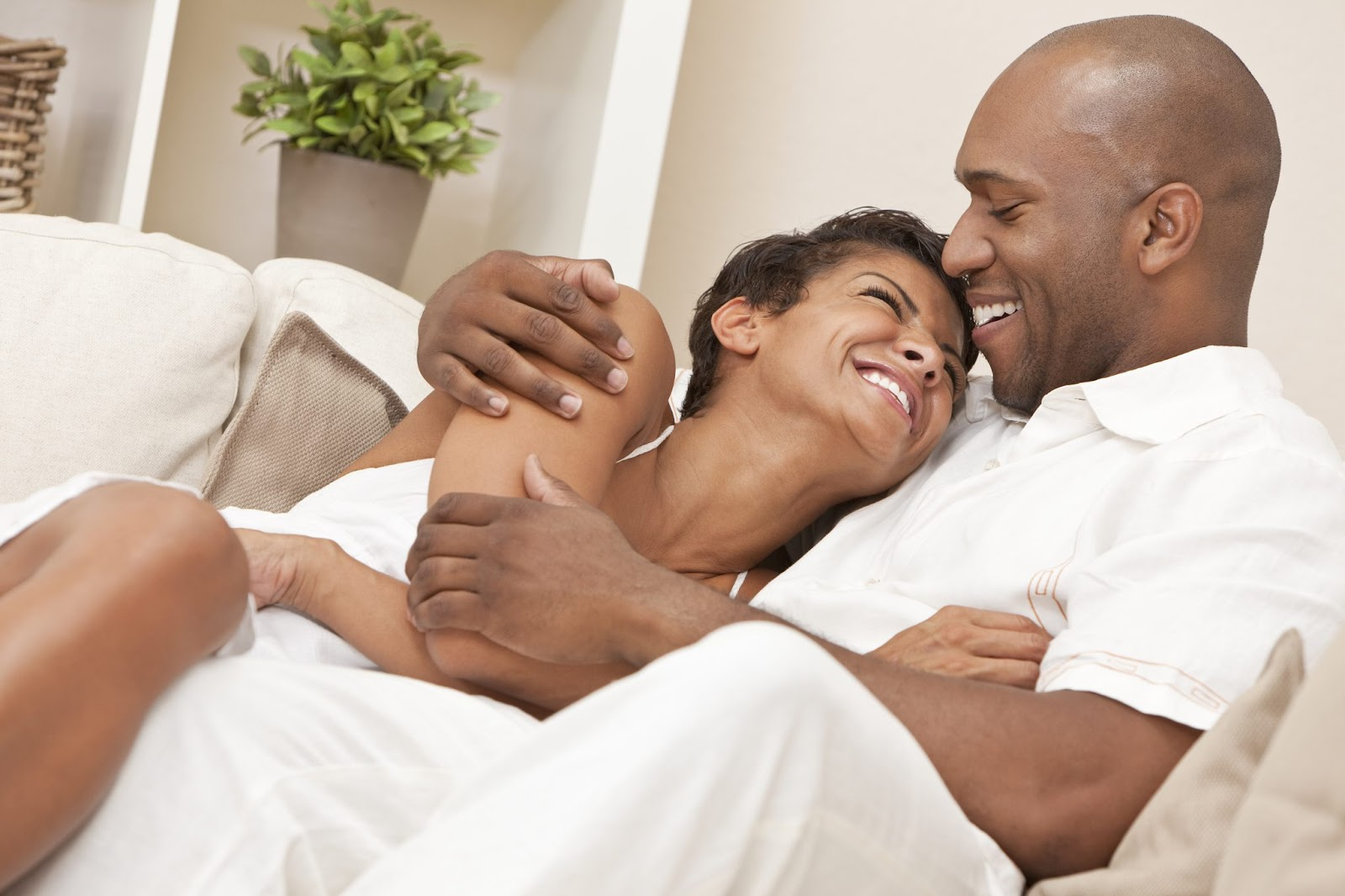 Don't Lose The Love Of Your Life: Check Out 4 Ways To Keep The Fire Burning In Your Relationship #Arewapublisize