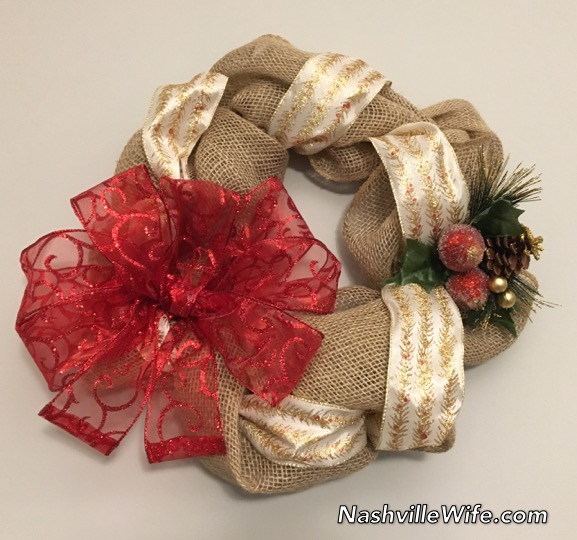 burlap christmas wreath tutorial - Burlap Christmas