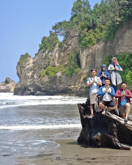 manula beach tourist destinations in bengkulu indonesia