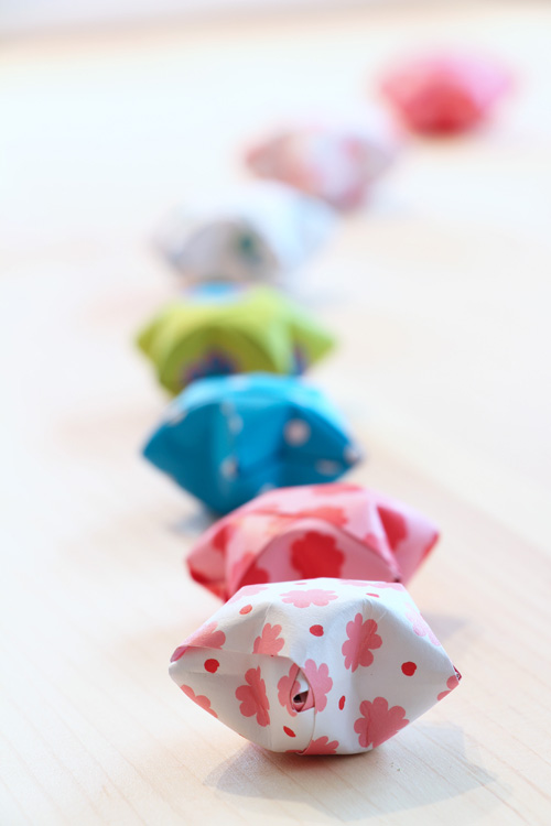 Annette Diepolder Der Atelierladen Annettes Atelier Blogspot Sterne Glückssterne Origami, Papierstreifen Papier falten Silvester Neujahr Jahreswechsel Download, Freebie, Vorlage