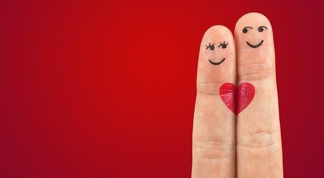 20 Ucapan Aniversary Pacaran Yang Paling Romantis