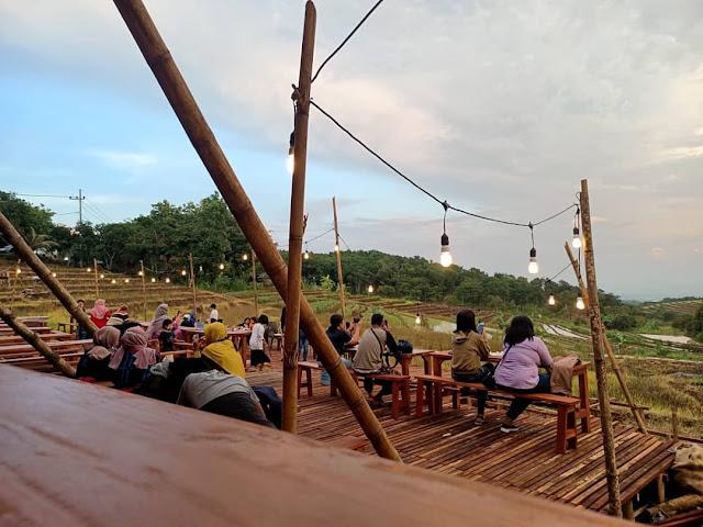 Tangga Langit Cafe and Resto Kediri