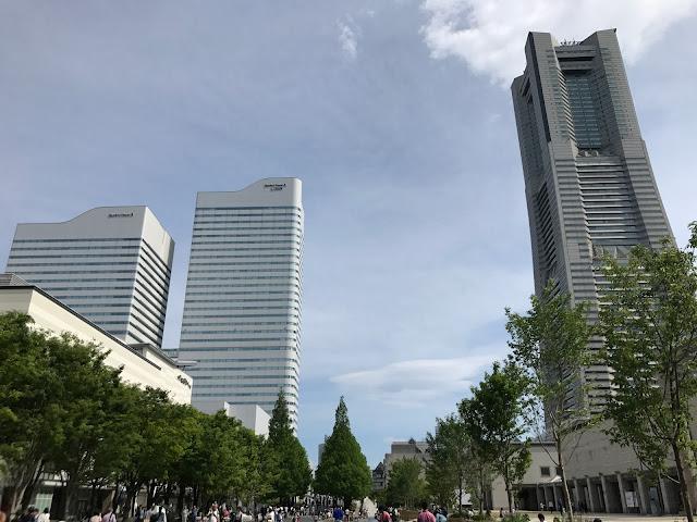 みなとみらいで子供が手軽に遊べるおすすめスポット!大幅値下げでお得なオービィ横浜と、マークイズの前のグランモール公園のじゃぶじゃぶ池での水遊びが大人気