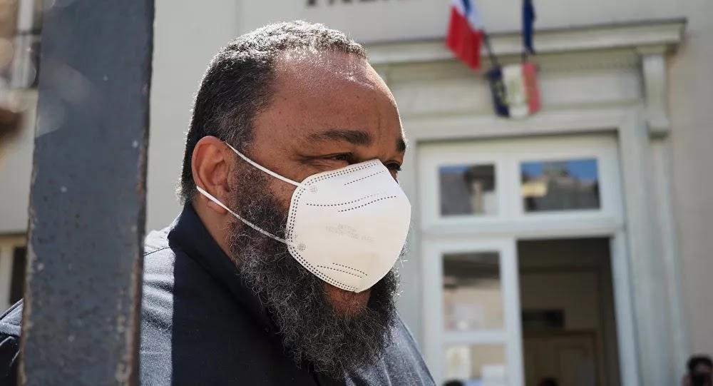 Dieudonné a invité ses spectateurs porteurs «du virus asiatique» à contaminer les policiers