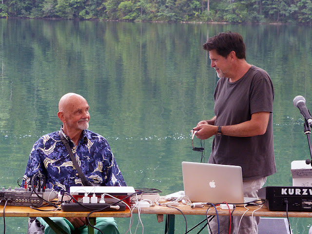 Hans-Joachim Roedelius, Tim Story @ More Ohr Less 2019 / photo S. Mazars
