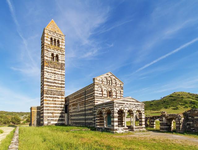 Basília de la Santíssima Trinitat de Saccargia, Sardenya