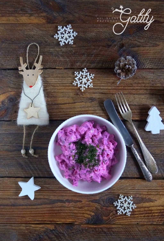 rozowa-salatka-w-misce-bialej