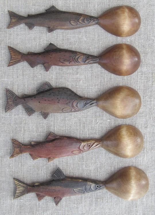 Деревянные резные ложки в подарок рыбаку с Камчатки