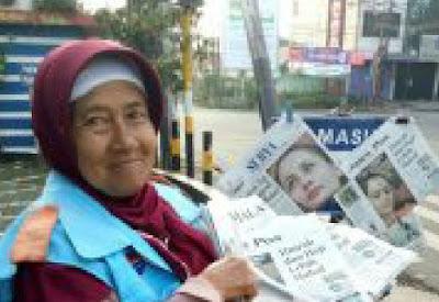 8 Tahun Menabung, Nenek Usia 70 Tahun Pengedar Koran Menunaikan Ibadah Umrah