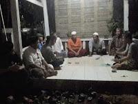Puluhan Warga Kalibone Datangi Rumah Lurah Bontolangkasa Minta Ketua RW/RK Dicopot