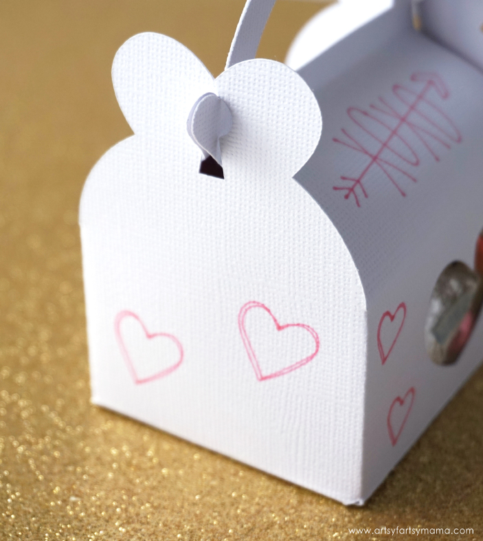 Surprise your Valentine with these easy-to-make Valentine's Day Treat Boxes made with the Cricut!