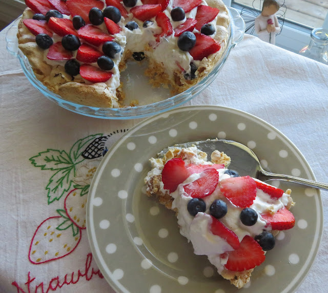 Berry Angel Pie