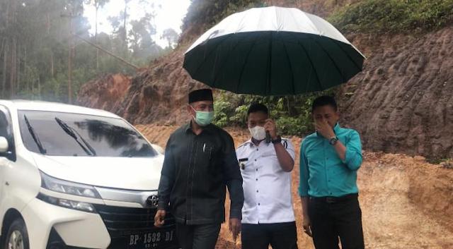 Pemkab dan DPRD Lingga Sepakat Proyek Jalan Tanjung Bungsu Dihentikan Untuk Sementara