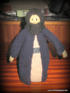 completed Joseph for the Jean Greenhowe knitted nativity