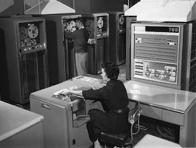 Sejarah Komputer Generasi Kedua SebatasInfo.com