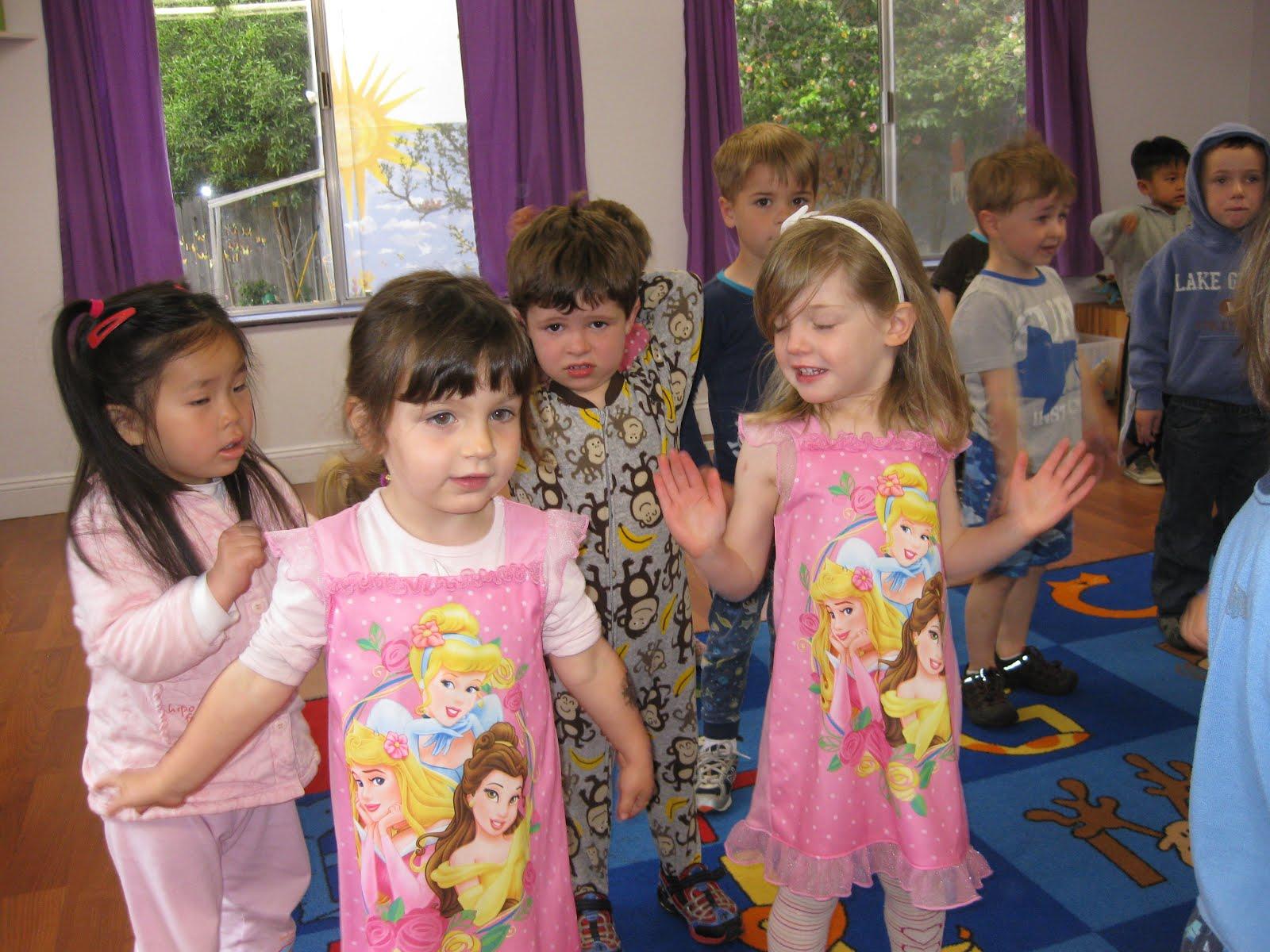 Janie S Zoo Emma Amp Lily Too Preschool Pajama Day