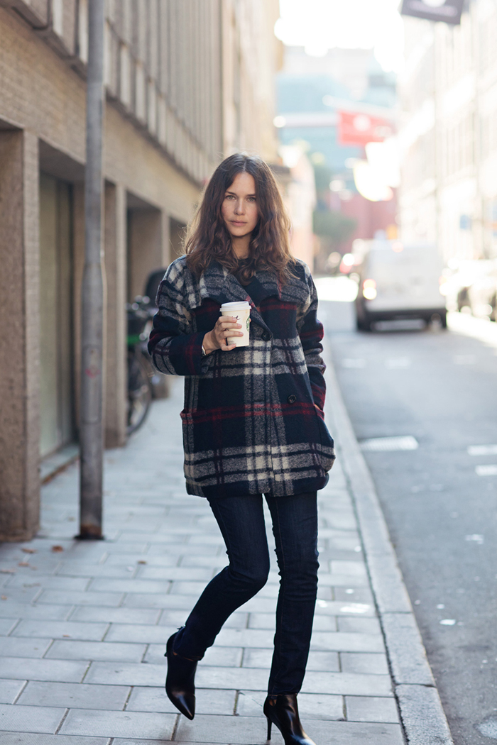 Plaid jacket street style
