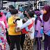 OASE, Dharma Pertiwi dan Bhayangkari Bagikan Paket Sembako pada Masyarakat Cilincing