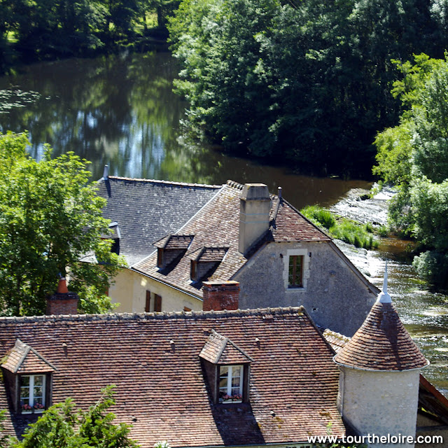 Angles sur l'Anglin. Vienne. France. Photographed by Susan Walter. Tour the Loire Valley with a classic car and a private guide.