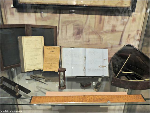 """Colección Objetos """"From Pursuit to Preservation"""" en el Museo de las Ballenas de New Bedford"""