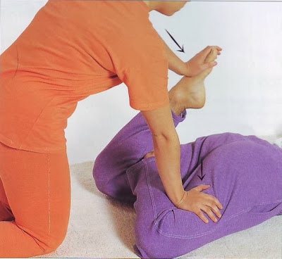 traditional thai massage lesson seven pronelying face down