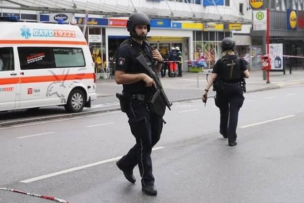 Ένας νεκρός και αρκετοί τραυματίες από επίθεση με μαχαίρι στο Αμβούργο