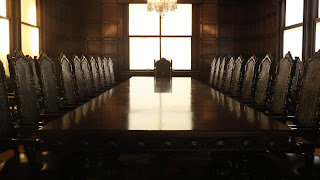 Una mesa que asegure la vida y el feliz retorno a la presencialidad