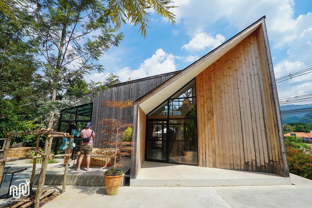 The birder's Lodge ร้านกาแฟสวยๆเขาใหญ่