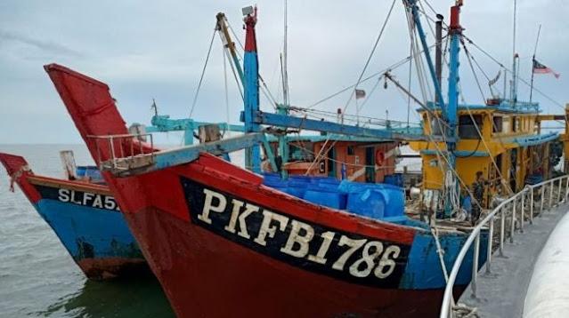2 Kapal Malaysia Terciduk Curi Ikan di Selat Malaka, Semua ABK WNI