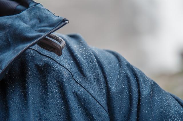 Gear of the Week #GOTW KW 23  Elkline Airlich Herren Regenjacke  wasser- und winddichte Jacke für outdoor und urban. 02
