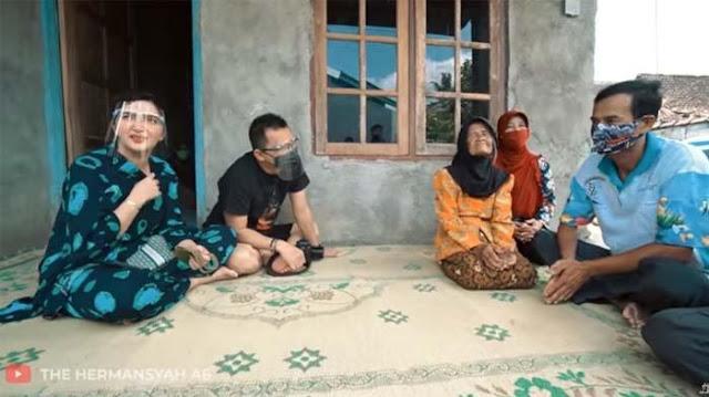 Ashanty Datangi Rumah Nenek Viral yang Dipaksa Jualan, Istri Anang Syok Dengar Cerita Sang Anak