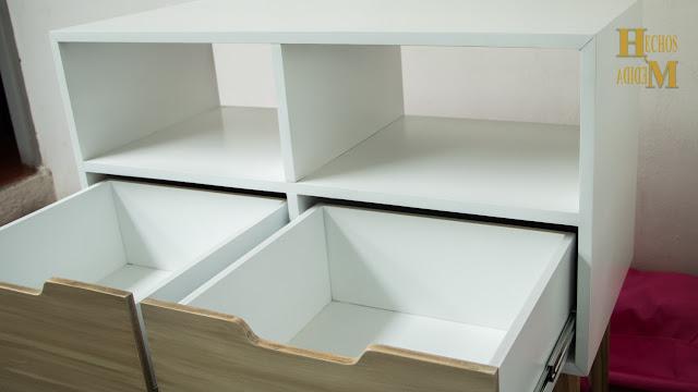 mueble-de-dos-gavetas-para-pantalla