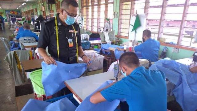 Di Malaysia, Tahanan Diminta Menjahit APD untuk Bantu Dokter